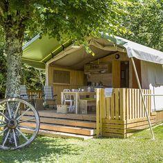 Bij Tendi kun je ook terecht voor je meivakantie! Onze locatie Starnbosch in Nederland is open, Le Tournesol in Frankrijk, Quinta da Tapada in Portugal en maar liefst 7 verschillende locaties in Italië! Wil je een meivakantie advies? Stel je vraag via IG! #tendi #glamping #meivakantie #frankrijk #italie #portugal #nederland #luxekamperen #safaritent #lodgetent #genieten Tree House Deck, Lake Camping, Glamping, Gazebo, Tent, Beautiful Places, Outdoor Structures, Vacation, Instagram Posts