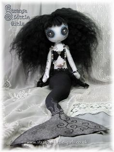 Gothic mermaid doll - Divina Darkwater