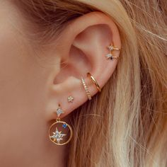 No Piercing Conch Ear Cuff Double Rose Ring/piercing imitation/fake faux piercing/plain ohrklemme ohrclip/ear cartilage manschette jacket - Custom Jewelry Ideas Pretty Ear Piercings, Ear Peircings, Multiple Ear Piercings, Unique Piercings, Different Ear Piercings, Types Of Ear Piercings, Bellybutton Piercings, Body Piercings, Piercings For Small Ears