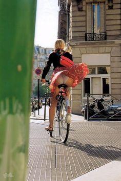 bicycle_nude_6980-100.jpg 853×1,280ピクセル