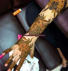 Arabian Mehndi Design, Khafif Mehndi Design, Floral Henna Designs, Arabic Henna Designs, Modern Mehndi Designs, Mehndi Design Pictures, Wedding Mehndi Designs, Dulhan Mehndi Designs, Beautiful Mehndi Design
