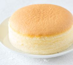 Japanese cheesecake- Japanischer Käsekuchen A cake that consists of only three. Japanese cheesecake- Japanischer Käsekuchen A cake that consists of only three ingredients and after bake it is Easy Vanilla Cake Recipe, Easy Cake Recipes, Baking Recipes, Sweet Recipes, Japanese Cheesecake Recipes, Cake Ingredients, Food Cakes, Sweet Cakes, Churros