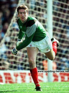 Mark Crossley - Nottingham Forest Welsh Football, Nottingham Forest Fc, Espn, Legends, Soccer, England, Memories, Classic, Football
