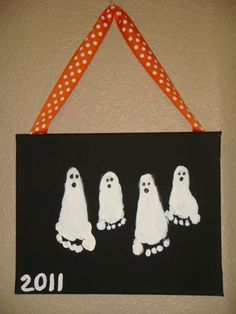 so fun to do every year for halloween, See how those ghosts grow:) Holidays Halloween, Spooky Halloween, Halloween Crafts, Happy Halloween, Halloween Decorations, Halloween Party, Halloween Jokes, Cute Crafts, Fall Crafts