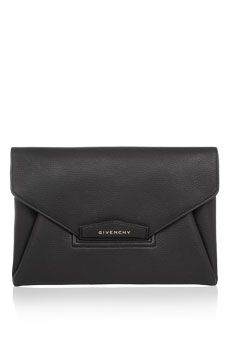 Givenchy Antigona envelope clutch in black grained leather | NET-A-PORTER