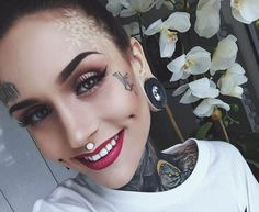 Monami Frost perfectly compliments her name with this snowflake tattoo. 3d Tattoos, Sexy Tattoos, Girl Tattoos, Monami Frost, Face Tats, Snow Flake Tattoo, Inked Magazine, Foto Art, Body Mods