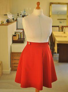 Great colour combo. Sewaholic Hollyburn skirt