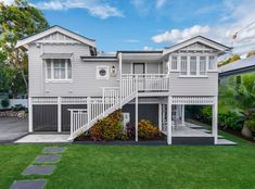 Lovely Ashgrovian for a chilly Monday morning. This home is just gorgeous ❤️ ( ) Queenslander, House Paint Exterior, Monday Morning, House Painting, Property For Sale, Mansions, House Styles, Homes, Instagram