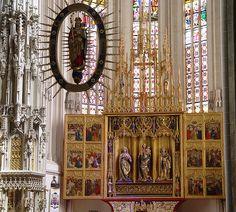 File:Kosice - St. Elisabeth Cathedral - Altar.JPG Cathédrale Sainte-Élisabeth de Košice, Slovaquie. /// Retable, sculpteurs anonymes, 1474-1477