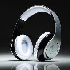 http://www.bestmonster2u.com/monster-beats-by-dre-studio-headphones-silver-white-limited-edition.html