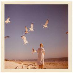 Anon., USA, ca. 1971 Snapshot, Kodak color print, 3 ½ x 3 ½ ins. (9 x 9 cm) © Fine Vernacular Photography