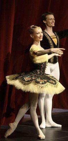Ballet costume- possibly Esmerelda. I love the detail.