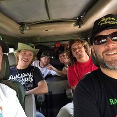 We are headed off on safari to see the elephant herds and all the wildlife in the Ngorongoro Crater today and tomorrow. Then coming home!!!! @tunnelvisionsc @delasaxmusic @tmaxwell52 #tunnelvisionsc #tunnelvisionkilimanjaroexpedition #tunnelvisionkilimanjarocharityexpedition #leonardodicapriofoundation #timbo #slightlystoopid #dela #syatt2017 #whiskeybarrelrecords #levatomanagement #tunnelvisioncharityexpedition #stoppoaching
