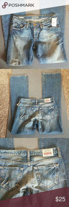"NWT Big star ""Mia"" jeans 31"" length  7 3/8"" rise Some fading and whiskering Big Star Jeans Boot Cut"