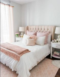 choisir son idee deco chambre adulte romantique 80 photos de chambres a deco douce Cheap Bedroom Ideas, Master Bedroom Remodel, Room Design, Bedroom Makeover, Home Decor, Small Room Bedroom, Apartment Decor, Small Bedroom, Remodel Bedroom