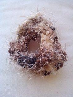 Βραχιόλι χειροποίητο από νήμα οικολογικό γουνάκι με κούμπωμα Christmas Wreaths, Holiday Decor