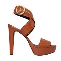 Sandalia de tacón peep toe de piel trenzada camel Mas34 http://www.mas34shop.com/tienda/caty-camel/