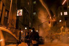 """""""Il realismo di Cloverfield è tutto compresso nel suo renderci partecipi del movimento, un movimento che si orienta in un universo  assolutamente fittizio, dove la percezione del reale è straniata da un  eccesso di mimesis totale che eccita il senso del meraviglioso e del  devastante""""  Simone Ghelli """"  Cloverfield: il destino dello sguardo e  della teoria dopo l'11 settembre"""""""