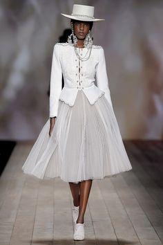 Workwear Fashion, Suit Fashion, Modest Fashion, Fashion Show, Girl Fashion, Womens Fashion, Fashion Design, Couture Fashion, Runway Fashion