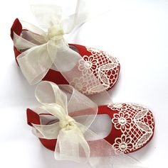 Sewing Pattern for Christmas Baby Shoes  PDF-newborn to 24