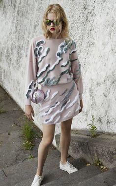 Alena Akhmadullina Resort 2016 - Preorder now on Moda Operandi Fashion Fabric, Fashion Art, High Fashion, Fashion Outfits, Unique Outfits, Japanese Fashion, Types Of Fashion Styles, Everyday Fashion, Spring Summer Fashion