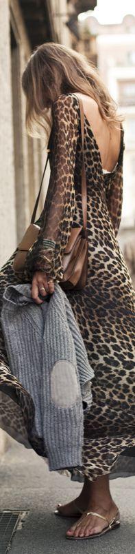 Street Style..backless leopard print dress