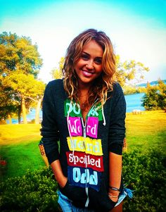 Miley. why cant she still be like this?