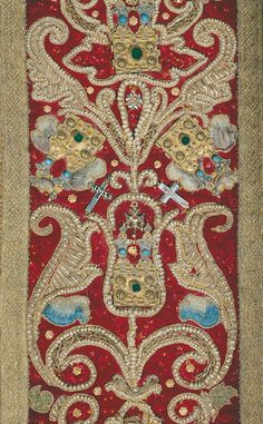 Bona Sforza's cope with embroidery work from the 13-14th centuries (at least I *think* that's what the Lithuanian says.) Source: http://v1.valdovurumai.lt/Istorija/Rumu_istorija.lt.htm