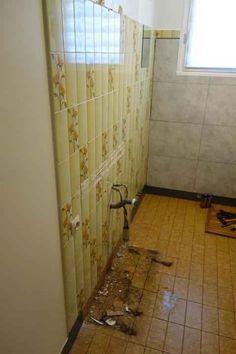 Comment rénover une salle de bain avec des dalles Dumawall