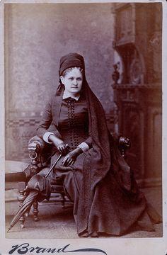 Chicago Mourner, Albumen Cabinet Card, Circa 1885