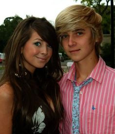 Fetus Zoe and Joe! Zoe looks quite simuler but she's much prettier now and joes hair OMG! Love these people