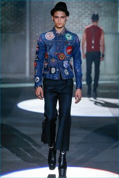 See all the Collection photos from Spring/Summer 2017 Menswear now on British Vogue Male Fashion Trends, Mens Fashion, Milan Fashion, Patched Jeans, Denim, Dreadlocks Men, Retro Fashion, Fashion Show, Fashion Spring