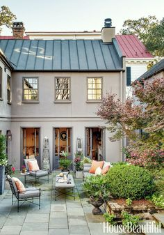 Cameron Schwabenton - designer -Trevor Tondro photo outdoor rooms Charleston