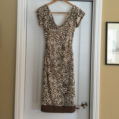 Elegant DVF scoop neck dress with side ruching DVF dress is a very flattering cut. Vents on short sleeveless make this dress great for keeping cool in summer while still looking elegant. Very gently worn. Diane von Furstenberg Dresses