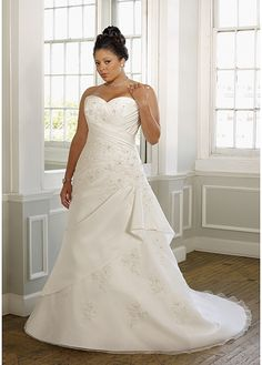 Elegant Taffeta Satin A-line Strapless Sweetheart Neckline Plus Size Wedding Dress With Lace Appliques,Beadings and Manmade Diamonds