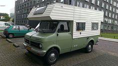 Vintage Rv, Vintage Trailers, Vintage Campers, Camper Caravan, Truck Camper, Van Camping, Camping Life, Bedford Van, Mini Camper