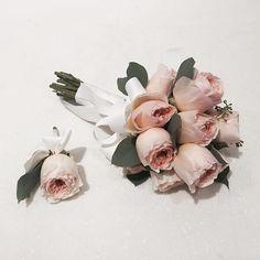 #vanessflower #vaness #flower #florist #flowershop #handtied #flowergram #flowerlesson #flowerclass #바네스 #플라워 #바네스플라워 #플라워카페 #플로리스트 #원데이클래스 #플로리스트학원 #화훼장식기능사 #플라워레슨 #플라워아카데미 #꽃스타그램. . . #부케 #오스틴로즈 #오스틴로즈부케 . . 요즘 부쩍 부케가 들고 싶은