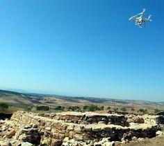 Drones arqueológicos sobrevuelan los yacimientos de Terrinches, en el ... This is quite an interesting one that I have not seen before