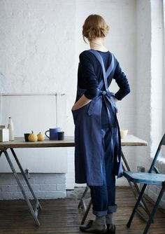 This is the perfect apron. Indigo Bib Apron from Toast Pinafore Apron, Sewing Aprons, Denim Aprons, Work Uniforms, Linen Apron, Apron Dress, Bib Apron, Inspiration Mode, Dressmaking