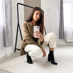 SARRA (@roseandmusc) • Photos et vidéos Instagram Boyish Style, Comme Des Garcons, Selfie, Photos, Outfits, Instagram, Pictures, Suits, Kleding