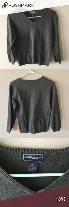 Light AE sweater forest green Light American Eagle sweater, slight v neck. No damage, Forrest green color that was hard to capture American Eagle Outfitters Sweaters V-Necks