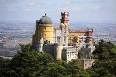 Palácio da Pena (Sintra) - 10 lugares em Portugal que parecem saídos dos contos de fadas | Tá Bonito