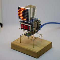 An Arduino powered astronomical clock which displays the Local Sidereal Time(LST) and lunar phase using the date, time and location data provided by a module. Robotics Projects, Led Projects, Electrical Projects, Best Arduino Projects, Electronics Mini Projects, Electronics Gadgets, Technology Gadgets, Electronic Engineering, Electronic Art