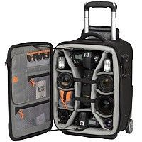 What a great travel bag for your camera stuff!  Love it!  <3
