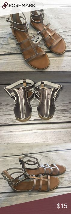 BNWT Old Navy Gladiator Sandals in MANY sizes Gorgeous pewter colored gladiator sandals brand new with tags! Don't miss out on these! Old Navy Shoes Sandals