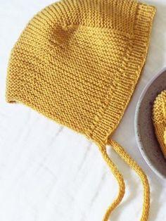 This cute garter stitch hat is knitted in Novita Baby Merino. Knitting For Kids, Baby Knitting Patterns, Crochet Bikini, Knit Crochet, Baby Bonnets, Garter Stitch, Yarn Colors, Baby Accessories, Knitting Needles