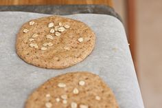 Homemade Sandwich Thins by foodiebride. Turned out fantastic! Bread Machine Recipes, Bread Recipes, Cooking Recipes, Cat Recipes, Yummy Recipes, Healthy Recipes, Google Recipe, Sandwich Thins, Homemade Sandwich