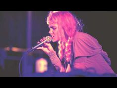 "Grimes ""Circumambient"" (Live at Hudson River Park) - YouTube"