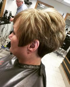 50+ Voluminous Pixie With Highlights