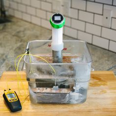 Cooking en sous vide water bath; utilizing Nomiku immersion circulator and K-type thermocouple probe